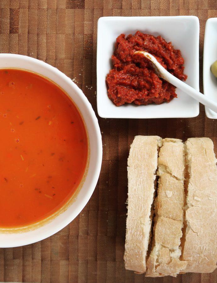 Paprikasoep met Italiaanse kruiden