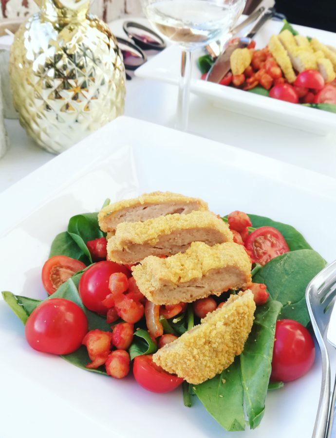 Kikkererwtensalade met spinazie en kipburger