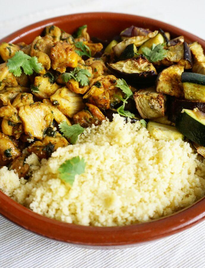 Marokkaanse kip met geroosterde groente in ras el hanout