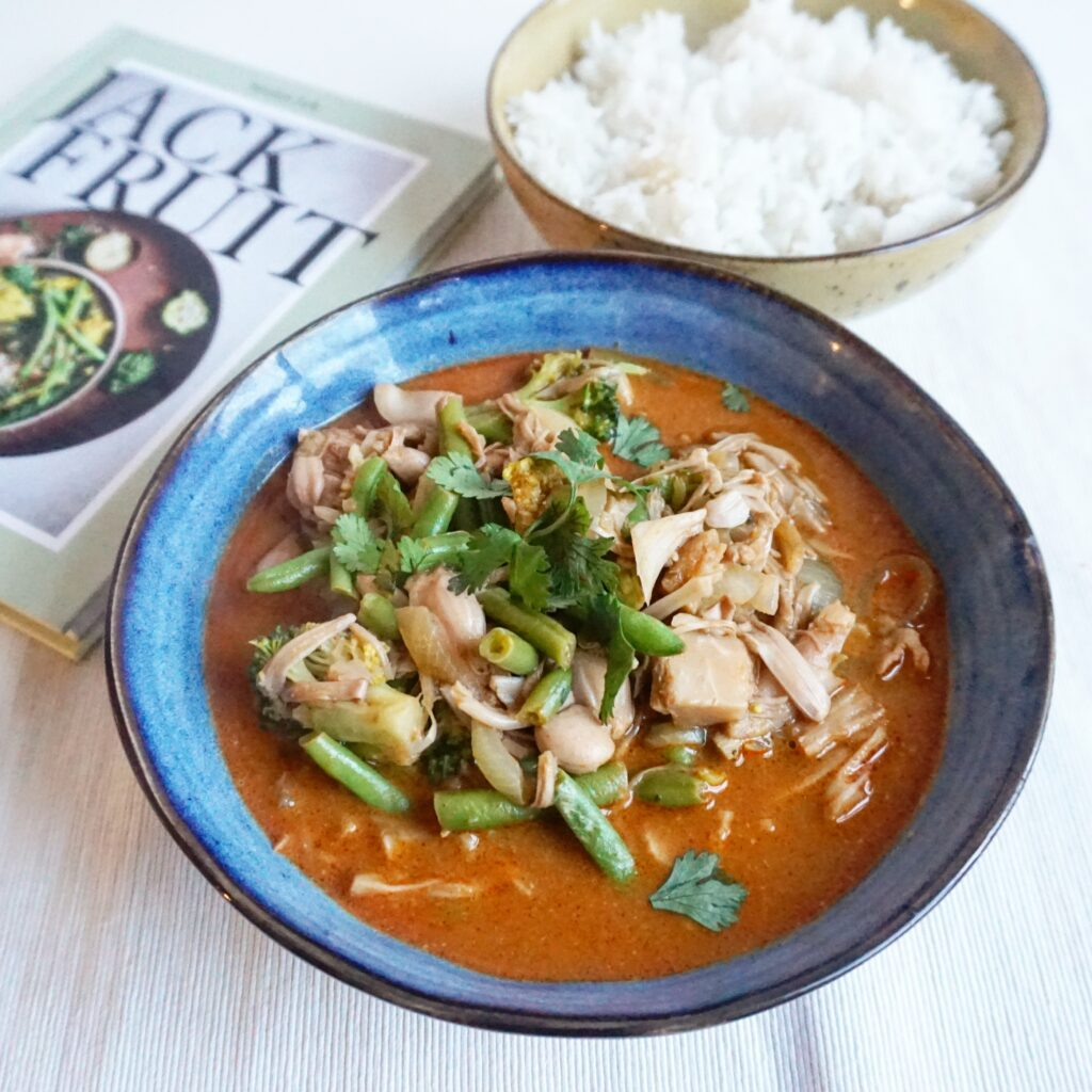 Thaise vegan rode curry met jackfruit