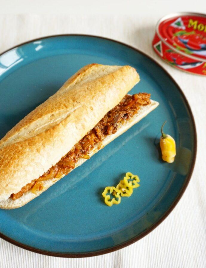 Surinaams broodje sardines in tomatensaus, Morjon