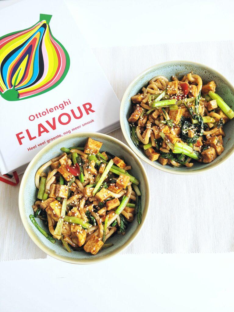 Gebakken Tofu met Choy Sum en verse Udon Noodles