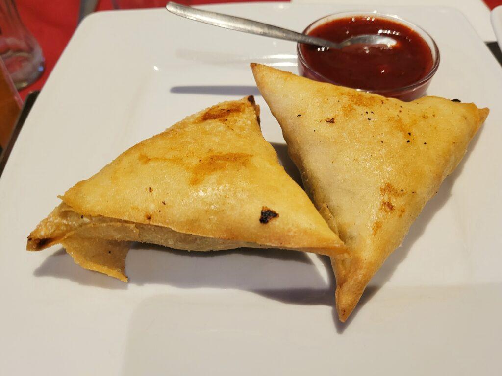 Indiaas eten bij restaurant Taj Mahal in Den Haag