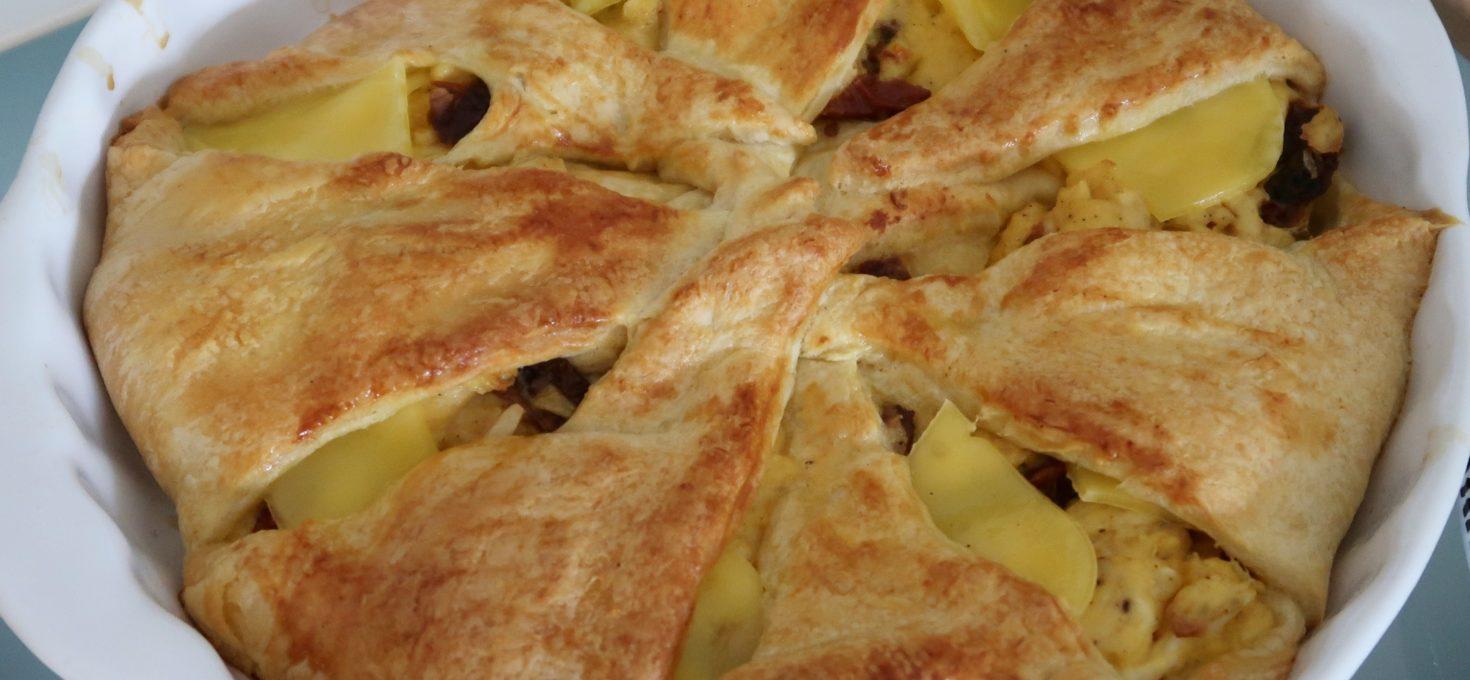 Paasbrood met ei en kaas