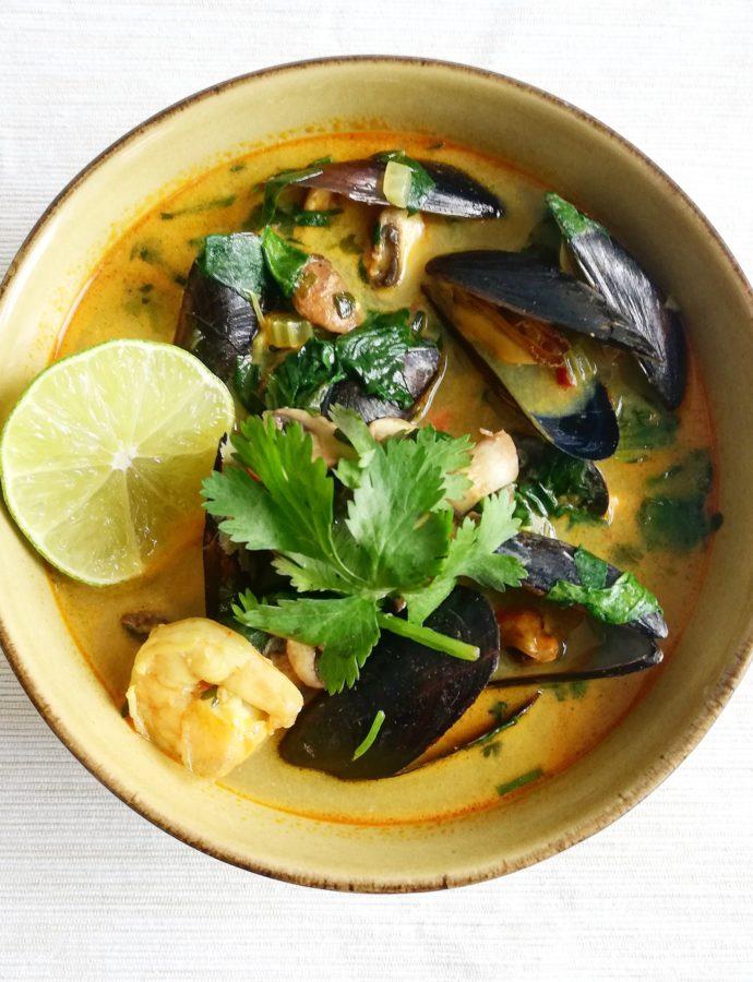 Thaise currysoep met mosselen en garnalen