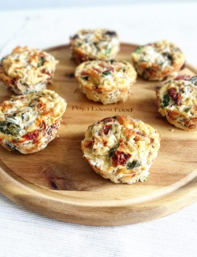 Eiermuffins met broccoli en zongedroogde tomaten